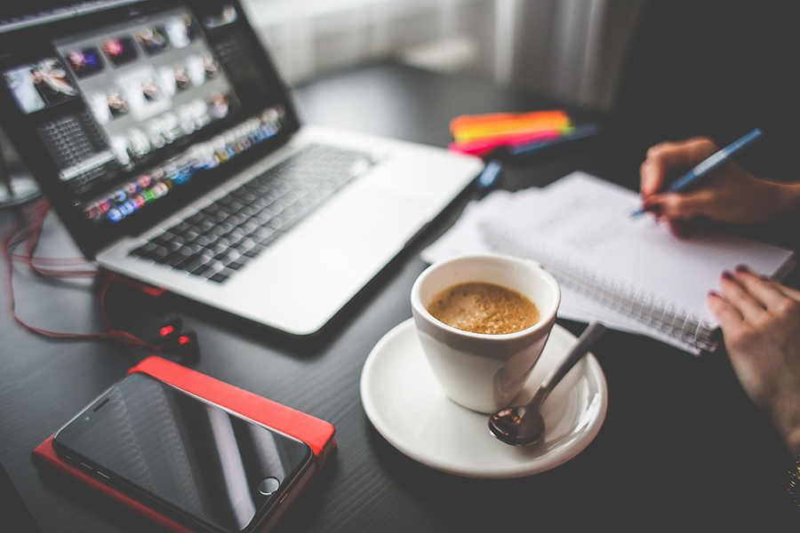a creative freelancers guide to personal branding