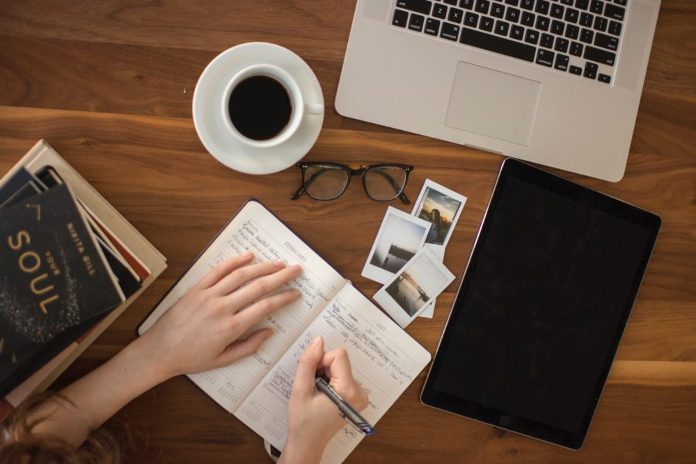 Featured Image for: 20 Jobs for Writers to Find Paid Work as a Freelancer