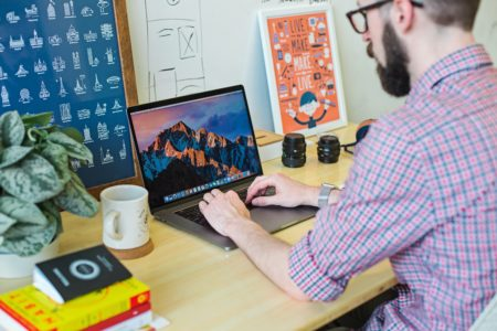 8 WordPress Themes for Artists to Create Your Online Presence