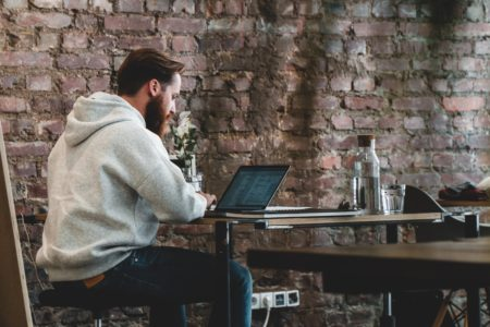 Are You Looking to Become a Freelancer on Upwork? Read This